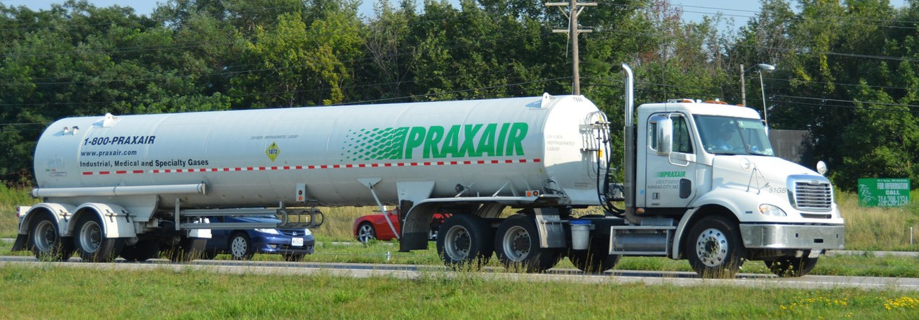 Praxair Truck on a country road