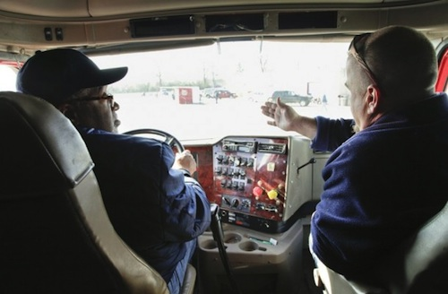 Groups want mandatory behind-the-wheel hours for student truck drivers