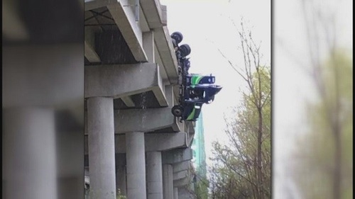motorists rescue truck driver