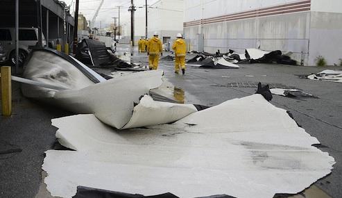tornado hits vernon california