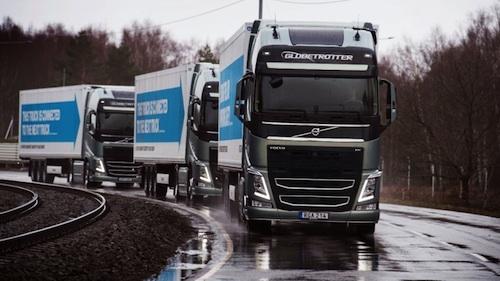 self-driving semi convoy