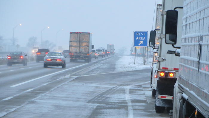 Iowa to create truck parking system on I-80