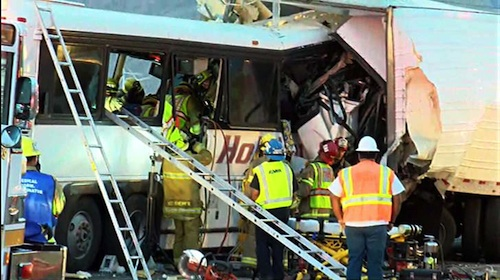 bus crash kills 13